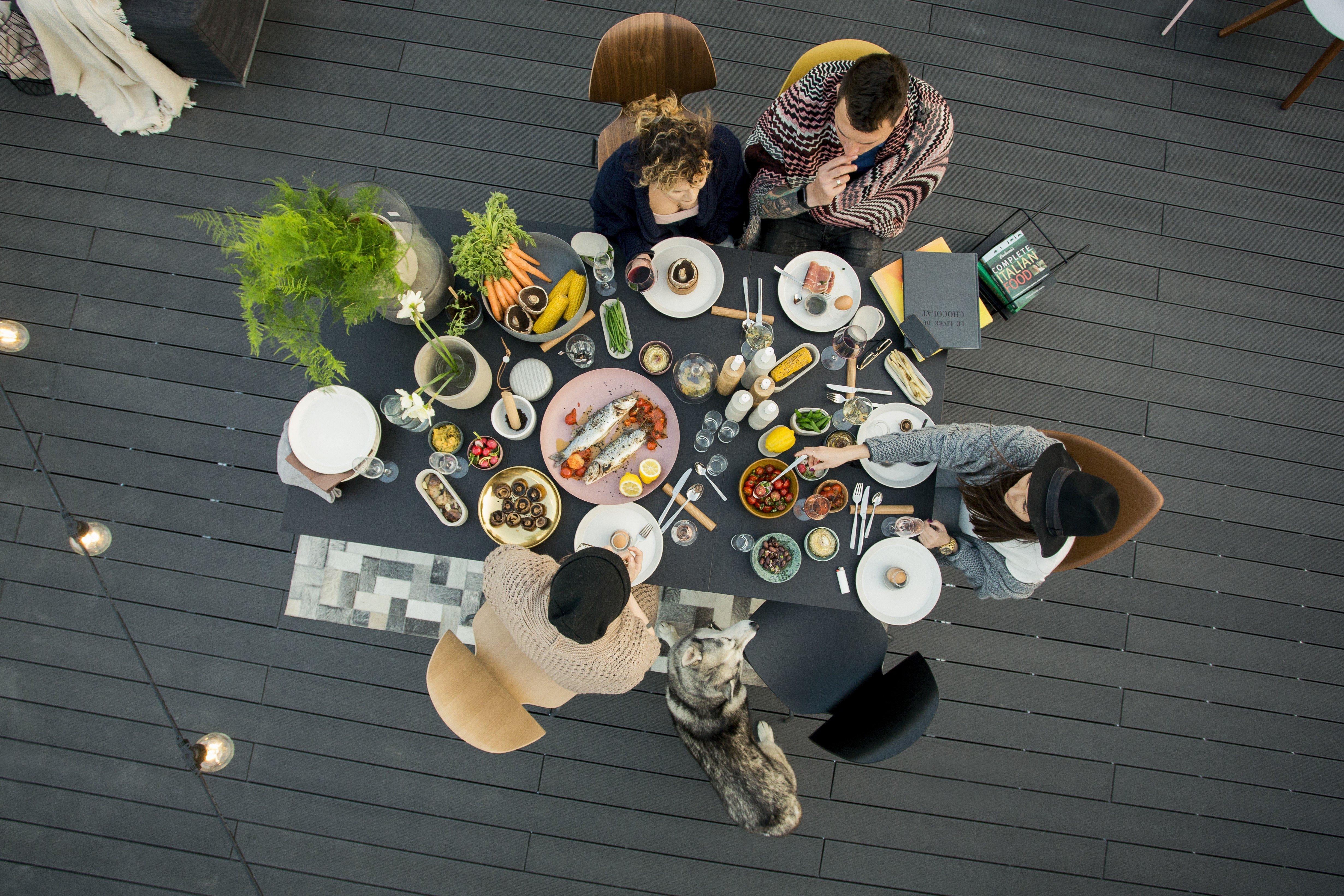 Vakarienė ant stogo